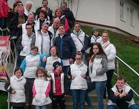 Gruppenfoto vor der SMR Arena Buchbach